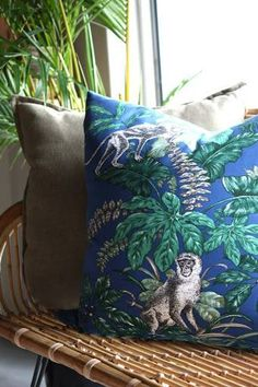 Have a little African fun Renaissance, Fabrics, African, Throw Pillows, Antiques, Fun, Beautiful, Home Decor, Tejidos