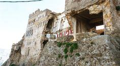 Save York Castle                                          ! أنقذوا يورك كاستل Monuments, York Castle, Vacation, House Styles, World, Courtyards, Tangier, Patio, Vacations