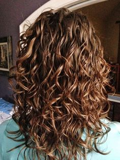 New haircut before and after body wave perm Ideas – Melissa Hershey - Perm Hair Styles Short Permed Hair, Curly Hair Cuts, Medium Hair Cuts, Wavy Hair, Medium Hair Styles, Curly Hair Styles, Medium Curls, Medium Waves, Curly Lob