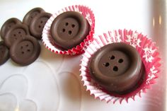 Make your own chocolate BUTTONS! #lalaloopsy #party