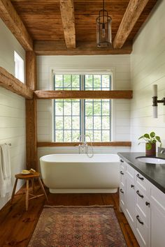 Cabin Interior Design, Cabin Design, House Design, Modern Cabin Interior, Modern Cabin Decor, Modern Log Cabins, Cabin Homes, Log Homes, Barn Bathroom