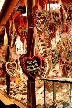 Gingerbread hearts, Frankfurt, Germany Weihnachtsmarkt was my favorite thing all year! --Christmas time in Germany is amazing! Christmas In Germany, German Christmas Markets, Christmas Markets Europe, Christmas Travel, Winter Christmas, All Things Christmas, Vintage Christmas, Christmas Holidays, Xmas