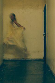 Marielle Jaffe by Jeremy Cowart > http://jeremycowart.com/new-blog/wp-content/uploads/2012/04/Marielle_IMG_9091_vsco.jpg #cowart #photography