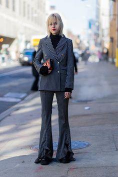 Klassisch, Nadelstreifen-Anzug mit Schlag von Baum und Pferdgarden