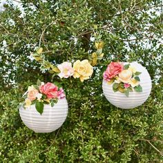 DIY Flower Paper Lanterns Tutorial - When Wedding Bells Ring - Mason Jar Crafts, Mason Jar Diy, Diy Flowers, Paper Flowers, Flower Diy, Flower Ideas, Lanterns With Flowers, Flower Pots, Floral Wedding
