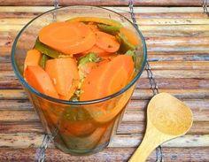 Dale más chispa a tu comida con estas zanahorias picantes: Zanahorias picantes en escabeche, un condimento muy versátil.