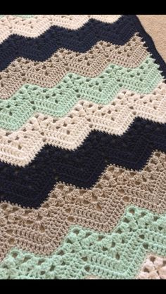 Boy blanket crochet can be made with basic and standard crochet patterns. Even though it is standard, basic crochet patterns is able to look stylish a. Crochet Blanket Patterns, Baby Blanket Crochet, Knitting Patterns, Toddler Blanket, Knitted Baby, Knitting Ideas, Diy Crafts Crochet, Crochet Projects, Crochet Ripple