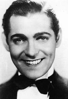 Clark Gable without the mustache in his 20s. He looked so different!
