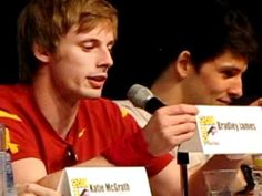 Bradley James at SDCC: innuendos about playing with swords... Oh Bradley...