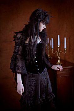 Victorian #Goth girl