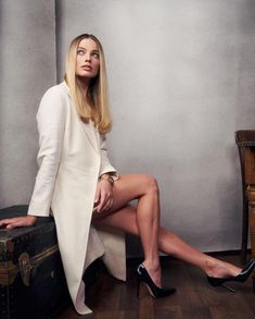 Margot Robbie sexy legs in high heels Margo Robbie, Margot Robbie Style, Margot Elise Robbie, Actress Margot Robbie, Margot Robbie Harley Quinn, Beautiful Female Celebrities, Beautiful Actresses, Martin Scorsese, Famous Women