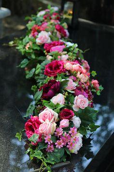 Wreaths And Garlands, Flower Garlands, Diy Flowers, Pretty Flowers, Wedding Flowers, Floral Centerpieces, Floral Arrangements, Grave Decorations, Funeral Flowers