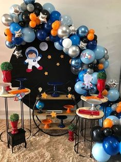 15 ideas for your Astronaut party party … - Geburtstag Boys 1st Birthday Party Ideas, 4th Birthday Parties, Fete Laurent, Space Baby Shower, Astronaut Party, Outer Space Party, Birthday Balloon Decorations, Partys, Fiesta Ideas