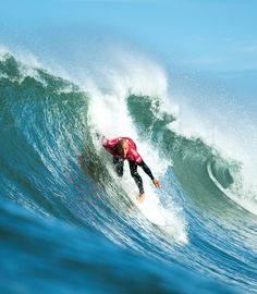 Kelly Slater dropping in #QuikPro France