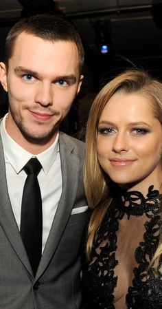 Nicholas Hoult and Teresa Palmer (I) at event of Warm Bodies (2013)