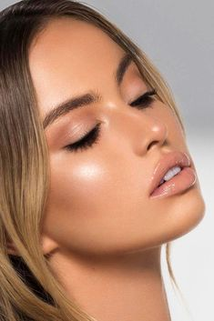 try it with Jane Iredale Cream purepressed shadow, Yummy Lip Crayon, and Soft Peach gloss. try it with Jane Iredale Cream purepressed shadow, Yummy Lip Crayon, and Soft Peach gloss. Glowy Makeup, Nude Makeup, Day Makeup, Makeup Light, Makeup Ideas, Nude Lipstick, Light Makeup Looks, Makeup Inspo, Tan Skin Makeup