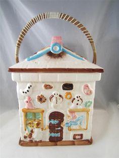Vintage Lipper & Mann Hansel and Gretel Ceramic Biscuit/Cookie Jar Bamboo Handle