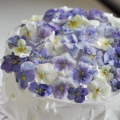 How to make these edible sugared flowers