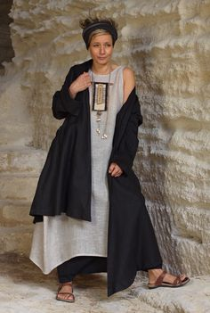 Women outfit black linen coat