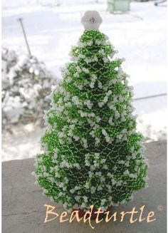 DIY - XMas Tree - (I don't think many would be able to actually make this, but still a treat to behold!)