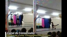 Dançarinos tiram a roupa para crianças de 04 anos em escola de Jundiaí