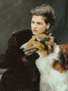 Lindka Cierach's velvet dressing gown coat edged with mink. ☆ Linda Evangelista | Photography by Peter Lindbergh | For Vogue Magazine UK | August 1988 ☆ #lindaevangelista #peterlindbergh #vogue