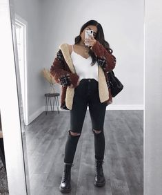 # Casual Outfits with flats fashion ideas Warm Wishes Tan Coat Warm Outfits, Casual Winter Outfits, Winter Fashion Outfits, Edgy Outfits, Mode Outfits, Retro Outfits, Simple Outfits, Vintage Outfits, Look Girl