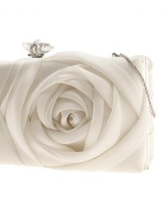 Wedding Theme - White : Weddbook is a content discovery engine mostly specialized on wedding concept. You can collect images, videos or articles you discovered organize them, add your own ideas to your collections and share with other people - Marchesa Bridal Clutch, Wedding Clutch, Marchesa, Bride Accessories, Fashion Accessories, Sacs Design, Brown Fashion, Beautiful Bags, Fashion Bags