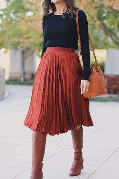 Cognac Boots and Pleated Midi SkirtYou can find Midi skirts and more on our website.Cognac Boots and Pleated Midi Skirt Skirt Outfits Modest, Pleated Skirt Outfit, Dress Skirt, Midi Skirts, Modest Fashion, Skirt Fashion, Fashion Outfits, Fashion Ideas, Casual Outfits