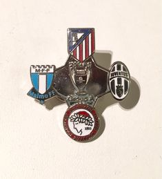 Annons på Tradera: Malmö FF MFF Juventus Atletico Madrid Olympiakos Champions League pin!