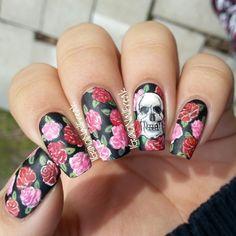 Skull & Roses nail art by Selena Lopez - Nailpolis: Museum of Nail Art