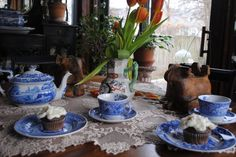 Spode Blue Room collection. What a spread! #blueandwhite