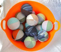 Dryer balls from recycled sweaters by Resweater Crafts To Do, Diy Crafts, Upcycled Textiles, Wool Dryer Balls, Recycled Sweaters, Old Sweater, Button Flowers, Handmade Felt, Recycled Crafts