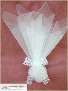 Μπομπονιέρα γάμου τούλινη λευκή με δέσιμο δαντέλα λευκή Favors, Wedding Ideas, Home Decor, Presents, Decoration Home, Room Decor, Guest Gifts, Home Interior Design, Wedding Ceremony Ideas