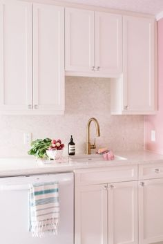 Home Depot TP Kitchen Interior – Tiffany Pratt, Client – Home Depot, Photography – Tara McMullen Home Depot Kitchen, Kitchen Reno, Kitchen Interior, Kitchen Remodel, Tiffany Pratt, Tall Kitchen Cabinets, Kitchen Triangle, Oven Cleaning, Best Kitchen Designs