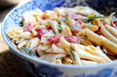 spicy pasta salad with smoked gouda from The Pioneer Woman