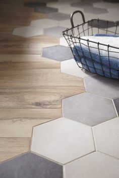Etourdissant Carrelage Imitation Tomette Hexagonale Home Improvement within carrelage imitation tomette hexagonale Decor, Hexagon Tiles, Transition Flooring, Octagon Tile, House Interior, Home Deco, Flooring, Trending Decor, Wood Bathroom