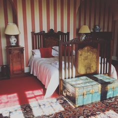 This vintage bedroom I slept in on a weekend away at a stately home gave me lots of inspiration for my own bedroom Decor, Furniture, Moody Bedroom, Master Bedroom Design, Home, Stately Home, Bedroom Furniture, Bedroom, Bedroom Vintage