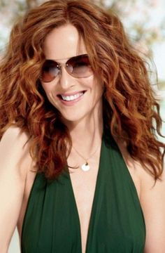 hairstyles for curly hair over 40