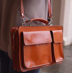 An alternative to the Cambridge satchel