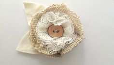 adorable burlap & lace flower w/ wooden button {I will be making this!}