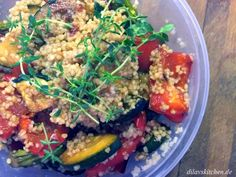 Ob warm, lauwarm oder auch kalt, Couscous-Salat mit knackigem Grillgemüse ist eine gesunde Mahlzeit für jede Gelegenheit.