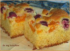 In my kitchen: Ciasto migdałowe z owocami