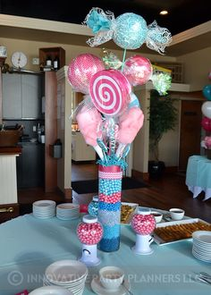 Add some candy balloons, cotton candy and big lollipops in a mixed candy vase. Candy Theme Birthday Party, Candy Land Theme, Candy Party, Birthday Parties, Candy Land Christmas, Candy Christmas Decorations, Birthday Decorations, Candy Theme Decorations, Bat Mitzvah Decorations