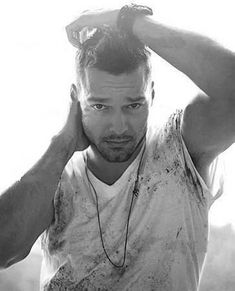 Ricky Martin - Photo posted by Ricky Martin, High School Crush, Latin Music, Celebs, Celebrities, Attractive Men, Great Hair, Modern Man, Hollywood Stars
