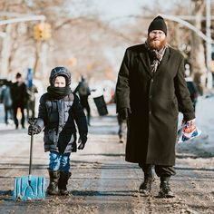 #blizzard #blizzard2016 #nycblizzard #snowstorm #snow #snowfall #snowday #people #winter #brooklyn #newyorkcity #nyc #newyork #jewish #hasid #hasidim #streetphotography #jonas #brooklynite #snowmageddon #stormjonas #winterstormjonas #urbanphotography #nycprimeshot #newyork_instagram #instagramnyc #what_i_saw_in_nyc #newyork_ig  #streetart #streetstyle by eliwohlphoto