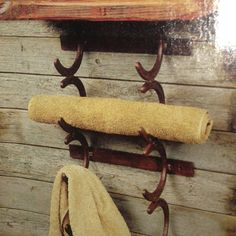 Towel holder from horse shoes, yes please