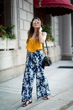 mustard crop top 2017 with floral pants 2017 Square Pants Outfit Casual, Casual Outfits, Cute Outfits, Fashion Outfits, Fashion Trends, Plazzo Pants Outfit, Floral Pants Outfit, Summer Pants Outfits, Sweater Outfits
