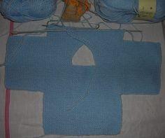 misure prematuri -nascita-3mesi FERRI 3 Montare 48m (50 – 54) e lavorare a legaccio. A 8cm ( 10-12), aumentare ai lati per le maniche 25m(-28-30) e continuare la lavorazione a legaccio A 14(… Vogue Knitting, Baby Knitting, Doll Clothes Patterns, Clothing Patterns, Pull Bebe, Crochet Ornaments, Baby Born, Textiles, Kids And Parenting