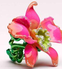 Luxury Floral Jewels - The Victoire De Castellane Fleurs d'Excès Collection is Vibrant (GALLERY)